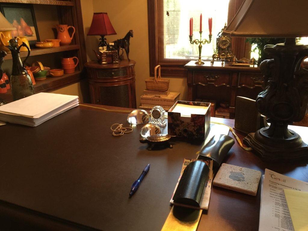 barb writing desk